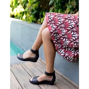 EARTH Hera Leather Ankle Strap Sandals Size 6.5